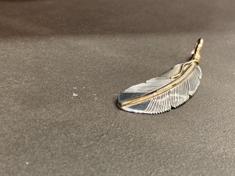 インディアンジュエリーフェア ハーヴィーメイス ペンダントトップ シルバー 14KGF イーグルフェザー Mサイズ
