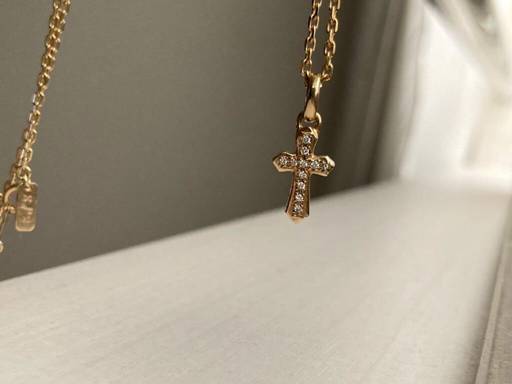 SYMPATHY OF SOUL シンパシーオブソウル スムースクロスペンダント K10 ダイヤモンド イエローゴールド