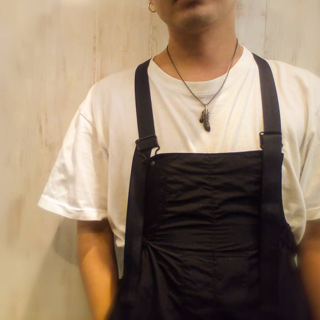 Old Fether Necklace 着用