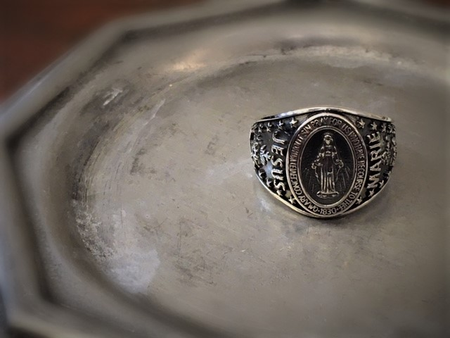 Mary College Ring