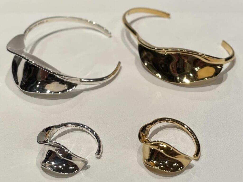 Flutter Bangle Ring 物写真