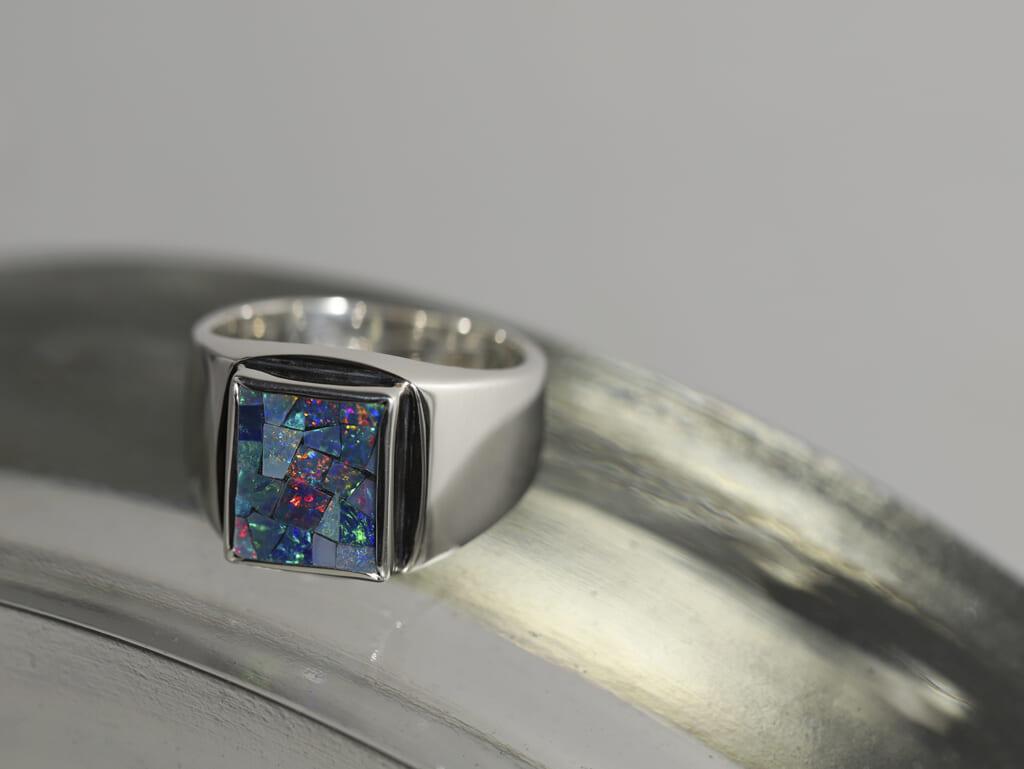 LUCUA1100 Ltd Ring